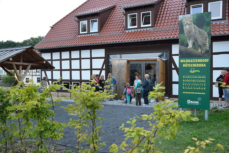 Foto: Eingang zur Wildkatzenscheune in Hütscheroda